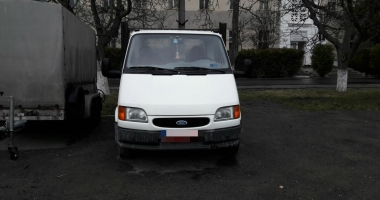 Autoutilitară furată din Italia, descoperită de poliţiştii constănţeni la Lumina