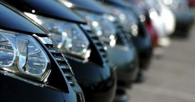 Piaţa românească a maşinilor noi ar putea atinge un minim istoric de 50.000 de unităţi, în 2013