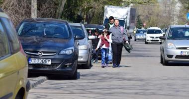 Cum vrea Primăria Constanţa să rezolve problema locurilor de parcare