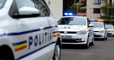 Poliţiştii caută un bărbat suspectat că a înjunghiat un taximetrist
