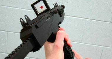 O armă din piese Lego a declanşat o operaţiune de amploare a poliţiei, în Germania