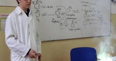 """Încă un premiu internaţional la Colegiul """"Mircea"""". Paul Haidu Gerea, medalie de aur la Olimpiada de chimie"""
