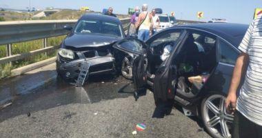 Accident VIOLENT cu șase victime, între care doi copii: Două mașini s-au ciocnit