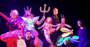 """""""Mica Sirenă""""  se joacă în festival"""