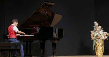 """Micii pianişti, premiaţi la Concursul Naţional """"Piano Art"""""""