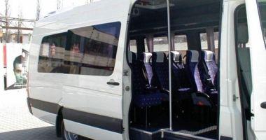 Foto : Fetiţa care a căzut în cap din microbuzul supraaglomerat a murit!
