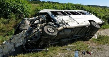 PASAGERI ÎN STARE GRAVĂ! Microbuz plin cu români, implicat într-un TERIBIL accident, în Austria!
