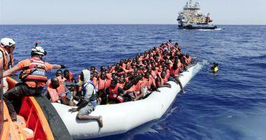 Mai mult de 500 de migranți vor debarca în Italia
