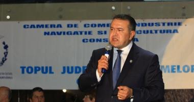 Mihai Daraban onorează promoţia economiştilor şagunişti