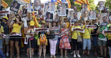 Mii de manifestanţi au cerut, la Barcelona, eliberarea deţinuţilor separatişti
