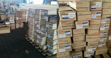 Mii de piese auto contrafăcute, confiscate în Portul Constanţa