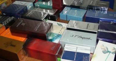Mii de parfumuri, confiscate în Portul Constanţa