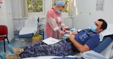 Militarii salvează vieți prin donarea de sânge