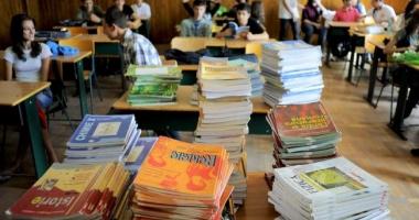 Adunarea generală a părinţilor va stabili auxiliarele folosite la clasă