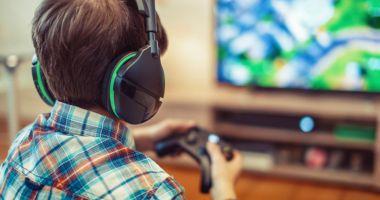 Un copil din Buzău a ameninţat că se sinucide, după ce i-a fost blocat accesul la un joc online