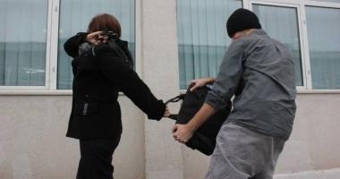 Femeie de 89 de ani, din Constanţa, atacată de doi minori pentru 50 de lei