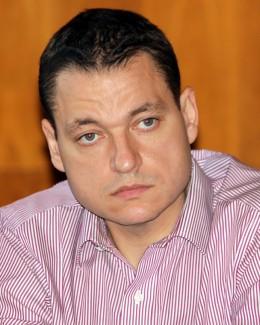 Cum vor să ajute restanţierii la bănci deputaţii Mircea Dobre şi Radu Babuş