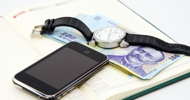 Special pentru navigatori: O companie de telefonie a lansat abonamentul cu plata anuală