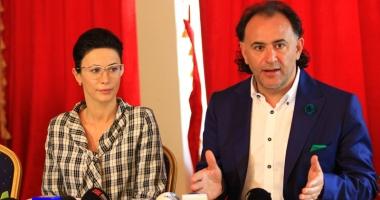 Cine cere demisia directorului Administra�iei plajelor, George Papari