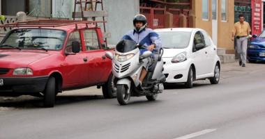 """Când vine legea care să dea """"undă verde"""" mopediştilor"""