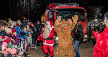 Moş Crăciun a ajuns în Tărâmul Magic cu ajutorul pompierilor de la ISU Dobrogea