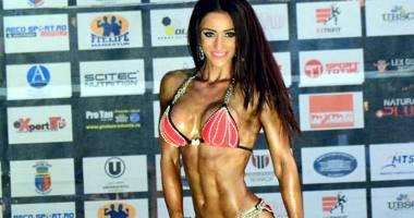 Ai mușchii tari? Sus pe podium