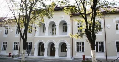 Vernisaj de pictură, gravură şi sculptură, astăzi, la Muzeul Marinei Române
