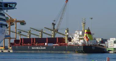 O navă în derivă, în Atlantic de Sud