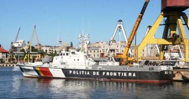 Polițiștii de frontieră români au salvat 46 de sirieni, în apele Mării Egee