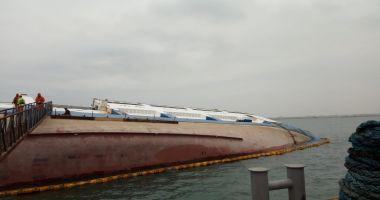 Trafic restricționat în portul Midia pe perioada verticalizării epavei