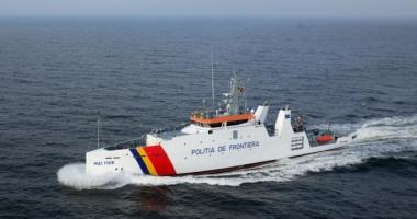 La un pas de moarte! Zeci de persoane, salvate de poliţiştii români, din apele Mării Egee