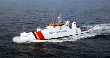 """Nava """"Ştefan cel Mare""""  participă la exerciţiile de Ziua Marinei"""
