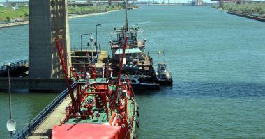 Navele sub pavilion românesc domină autoritar transportul fluvial