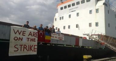 Navigatori turci, abandonaţi în Agigea, fără rezerve de hrană şi combustibil
