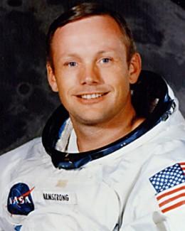 Neil Armstrong, primul om care  a păşit pe Lună, a murit la 82 de ani