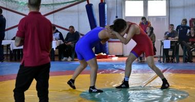 Luptătorii constănţeni, medaliaţi la Naţionalele şcolare