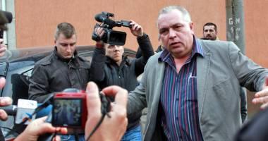 Lovitură după lovitură pentru Nicuşor Constantinescu