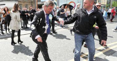 "Nigel Farage, ""atacat"" cu un… milkshake"