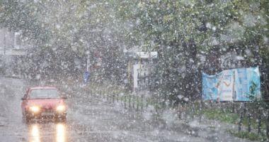 Pleci la drum? A revenit ninsoarea în România!