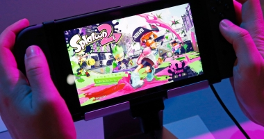 Nintendo a lansat noua consolă Switch