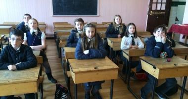Foto : Vai de profesorii care nu ascult� de elevi! Se na�te dictatura micilor tirani?