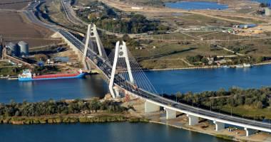 Noul pod rutier peste  Canalul Dunăre -  Marea Neagră  intră în exploatare