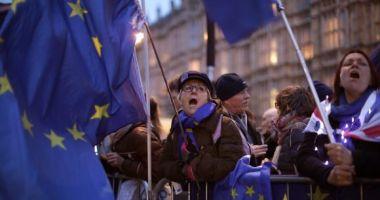 Britanicii ies în stradă pentru a cere un nou referendum pe Brexit