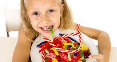 Nu mai recompensaţi copiii cu dulciuri! Îi îmbolnăviţi de diabet