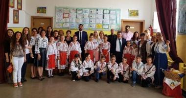 """Oaspeţi de seamă la Şcoala Gimnazială nr. 10 """"Mihail Koiciu"""""""