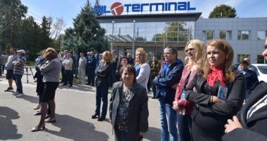 Oil Terminal - scena unei tragi-comedii  regizate de Ministerul Energiei