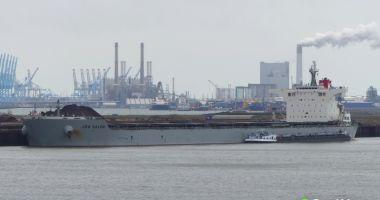 O navă cu cărbune a eșuat pe plaja Virginia