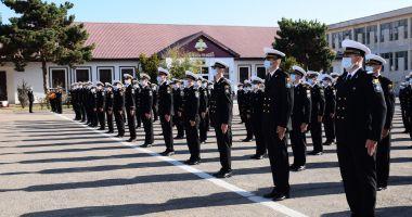 O nouă generaţie de marinari depune jurământul militar