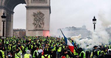 """ONU cere Parisului o anchetă privind """"utilizarea excesivă a forţei"""""""
