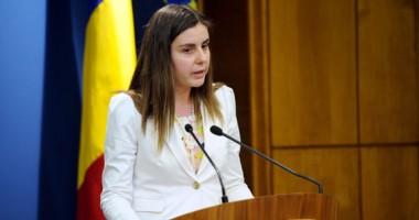 Opoziţia  cere demisia ministrului Ioana Petrescu